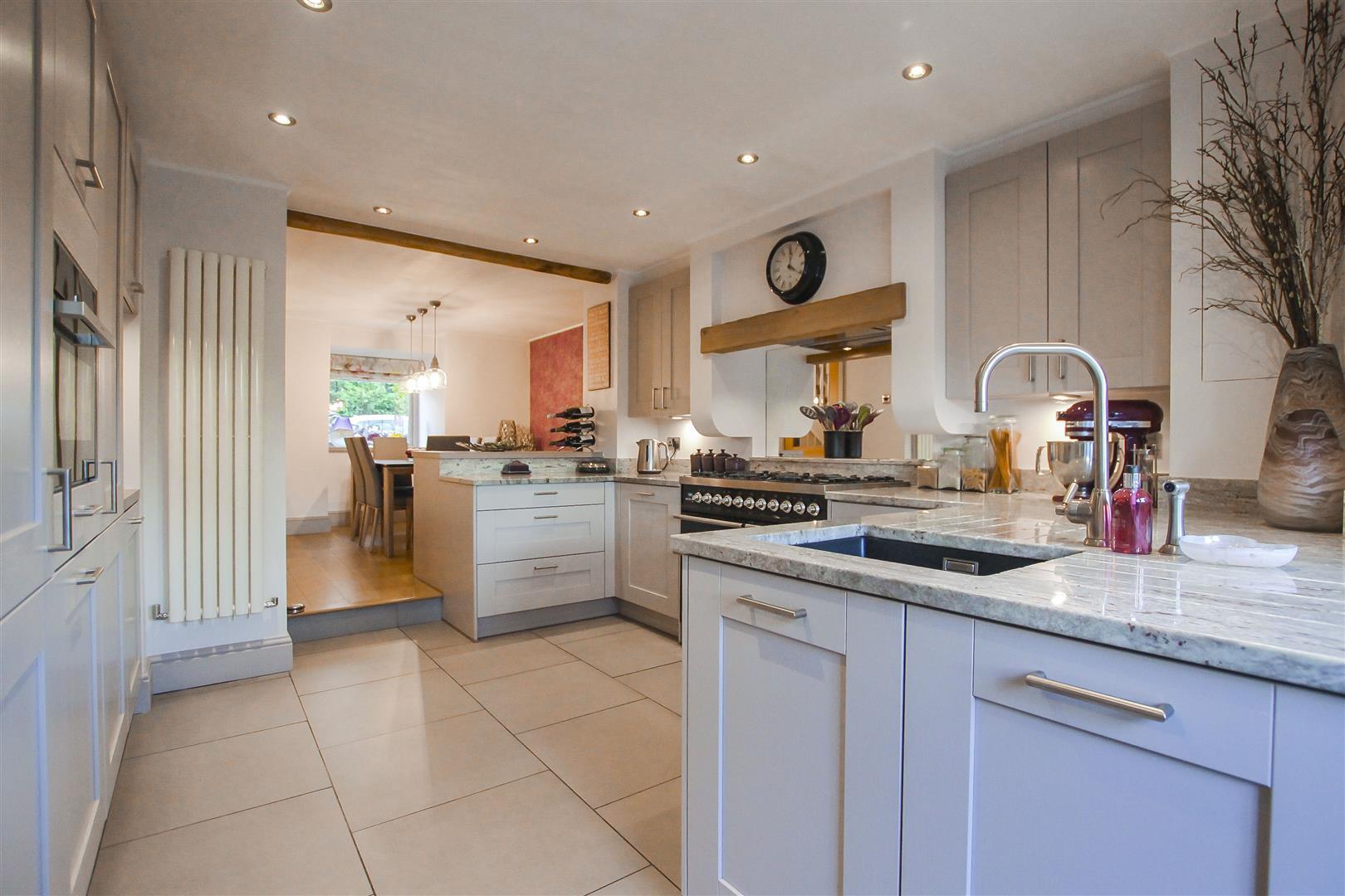3 Bedroom Cottage For Sale - Kitchen